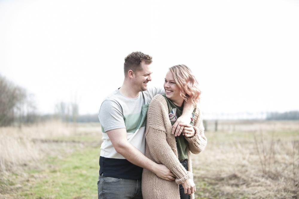 trouwen, loveshoot, reportage, samen op de foto, bruiloft, Alphen aan den rijn